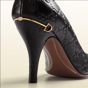 Gucci elizabeth pump w logo in black calf leather